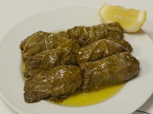 孤独のグルメシーズン9の3話ギリシャ料理のお店ミリュウ「東京都港区東麻布のムサカとドルマーデス」