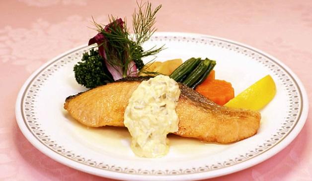 孤独のグルメシーズン7の11話えびすや 幸町店「千葉県千葉市の特製ニンニクスープと生鮭のバター焼き」