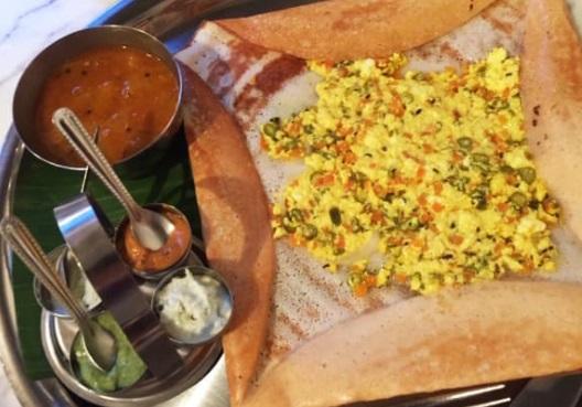 孤独のグルメシーズン8の9話・三燈舎「東京都千代田区御茶ノ水の南インドのカレー定食とガーリックチーズドーサ」
